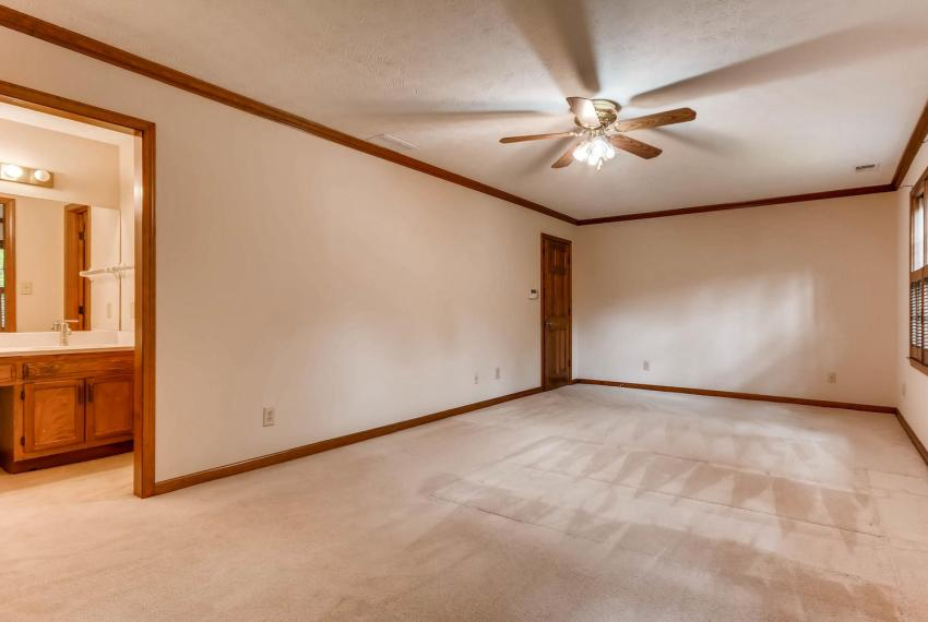 3592 Coldwater Canyon Ct-large-018-18-2nd Floor Master Bedroom-1499x1000-72dpi