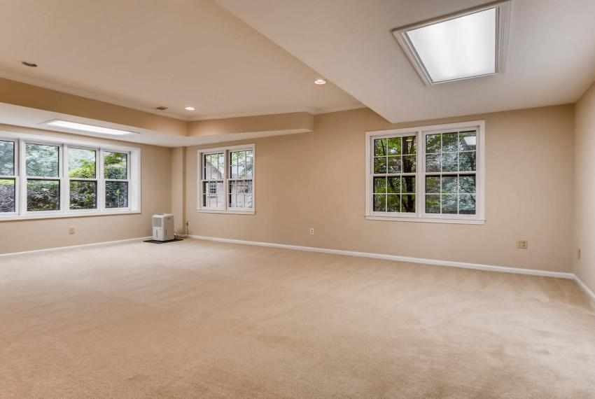 3592 Coldwater Canyon Ct-large-033-27-Lower Level Family Room-1500x995-72dpi