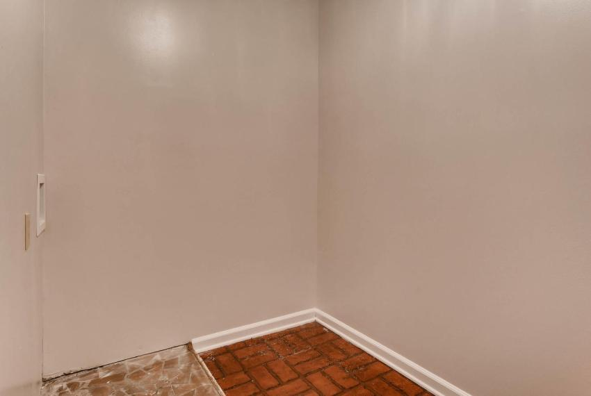 2638 Smoketree Way NE Atlanta-large-035-27-2nd Floor Laundry Room-1500x1000-72dpi