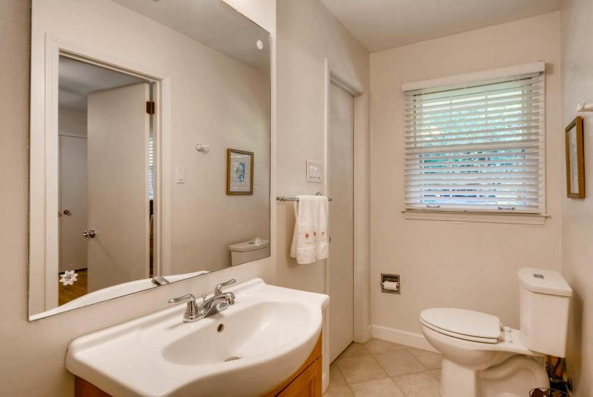 3819 Gleneagles Court Tucker-large-027-30-Bathroom-1499x1000-72dpi