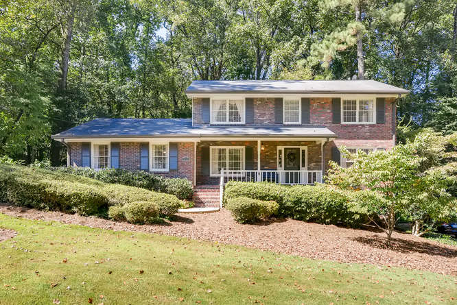 2456 Helmsdale Dr NE Atlanta-small-001-42-Exterior Front-666x445-72dpi
