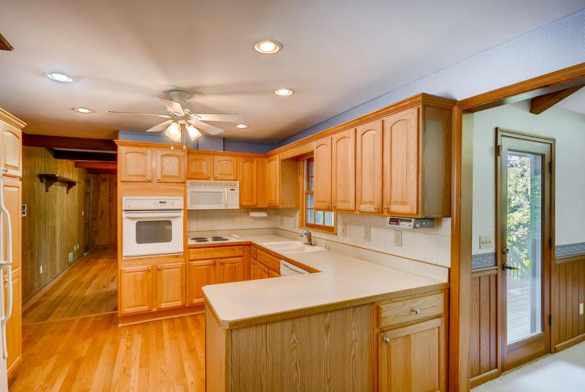 2624 Varner Drive Atlanta GA-large-010-12-Kitchen-1499x1000-72dpi