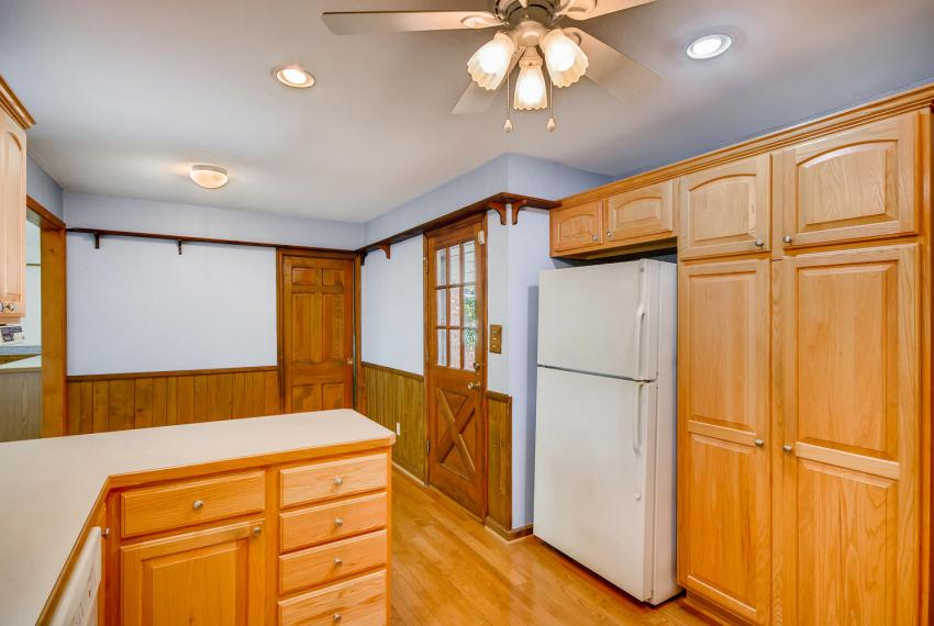 2624 Varner Drive Atlanta GA-large-012-19-Kitchen-1499x1000-72dpi