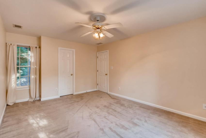 3131 Kings Arm Atlanta GA-large-035-20-2nd Floor Bedroom-1500x1000-72dpi