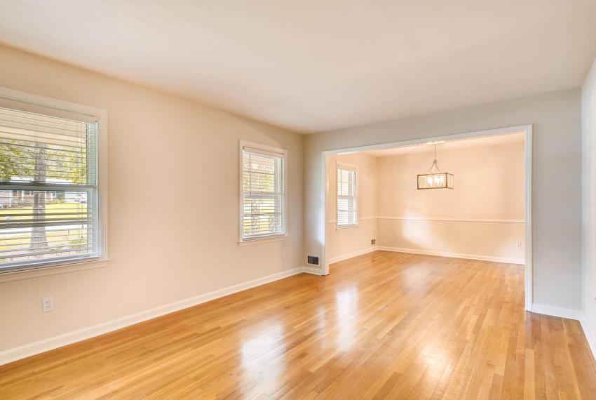 3218 Rehoboth Dr Decatur GA-large-008-18-Living Room-1500x1000-72dpi