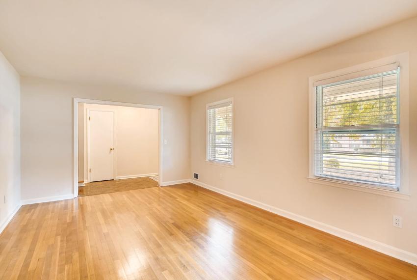 3218 Rehoboth Dr Decatur GA-large-009-32-Living Room-1500x1000-72dpi