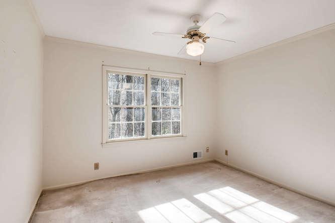 2263 Shasta Way NE Atlanta GA-small-021-35-2nd Floor Bedroom-666x444-72dpi