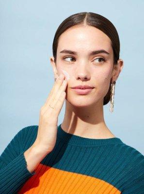 7 συμβουλές για την σωστή ενυδάτωση του λιπαρού δέρματος