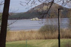 Přehledně: Tajemství starých tvrzí na Máchově jezeře