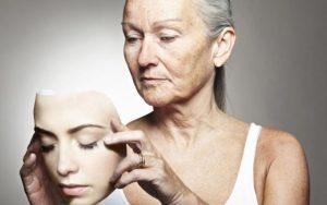 Léky proti stárnutí? V budoucnu prý mohou být součástí našich lékárniček!