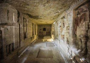 Egypt hlásí objev desetiletí! Co čeká uvnitř prastaré hrobky?