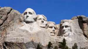 Tunely i tvář ženy: jaká tajemství skrývá Mount Rushmore?