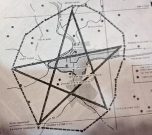 Americké Athens: Život v sevření magického pentagramu