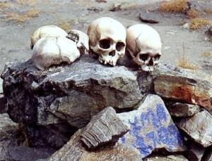 Proč je jezero Rúp Kund plné lidských koster