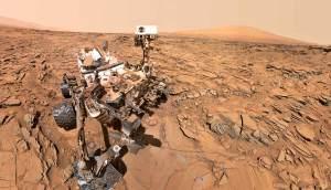 VIDEO: Leží na Marsu socha člověka?