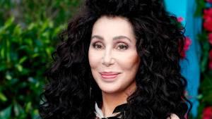 Komunikuje se mnou duch prvního manžela, tvrdí zpěvačka Cher