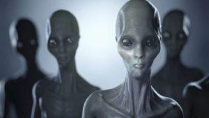 Co by se stalo, kdyby nás navštívili mimozemšťané?