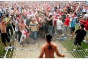World Cup 2010: Final Germany-England - Fans Taking It All in