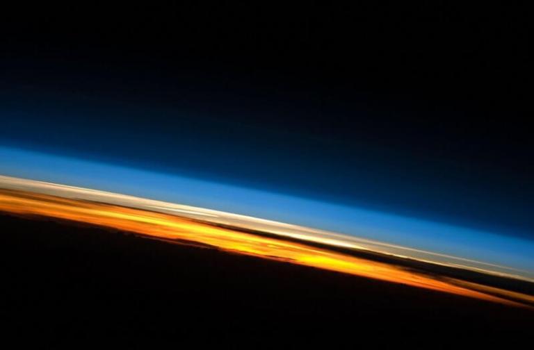 lapisan termosfer struktur atmosfer bumi