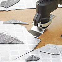 ブラックアンドデッカー-マルチツール-オシレーティングマルチツール-使用例-床材剥がし・タイル剥がし