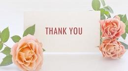 ピンクのバラと「THANK YOU」のメッセージカード