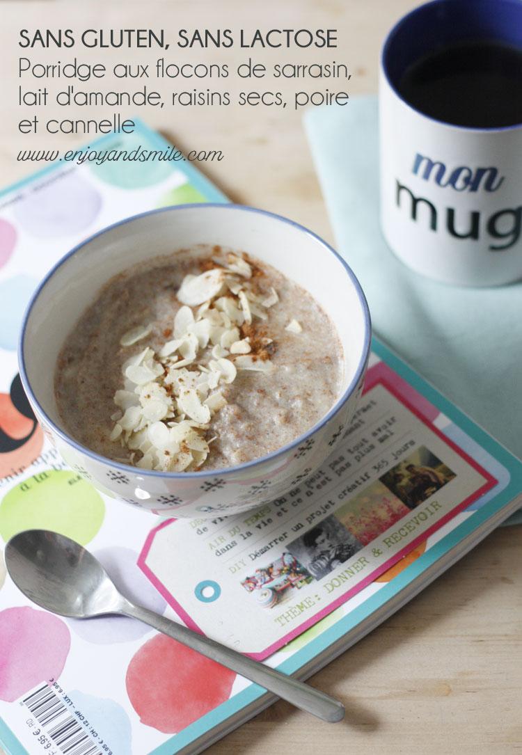 Le parfait petit-déjeuner réconfortant : ce porridge de flocons de sarrasin, lait d'amande, raisin, poire et cannelle