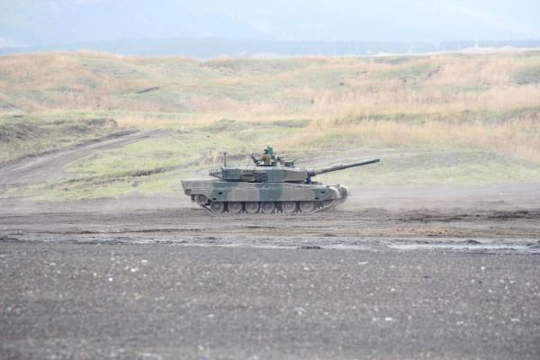 東富士演習場 90式戦車 演習中