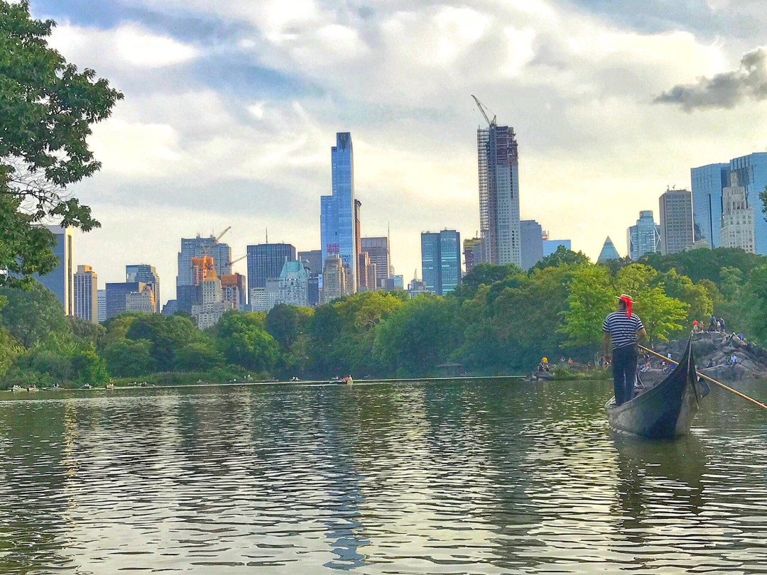 Central Park Lake NYC guide - Enjoy the Adventure travel blog