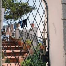 travel-italy-positano-gate