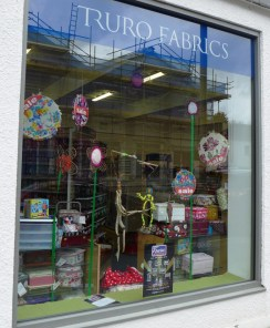 Businesses window displays (17)