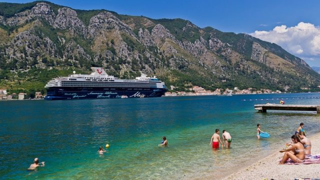 Kotor-beach-Crna-Gora-Adriatic-Sea