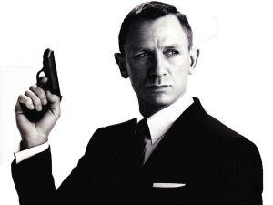 Gå til bloggen The Suits of James Bond om du vil vite hvordan du unngår at pistolen synes under jakken