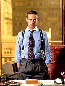 Gordon Gekko - mannen som personifiserte 1980tallet. Hvor mange bukselegg kan du telle?