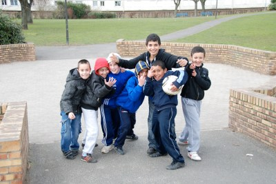 Enfants de la même cité en mars 2010 - DSC_0373