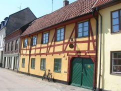1024px-Landskrona,_Fiskargränden