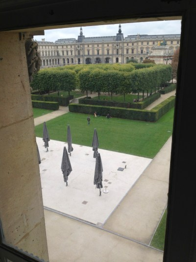 Vue de la fenêtre (musée Arts Décoratifs à Paris) photo Enki - IMG_2049