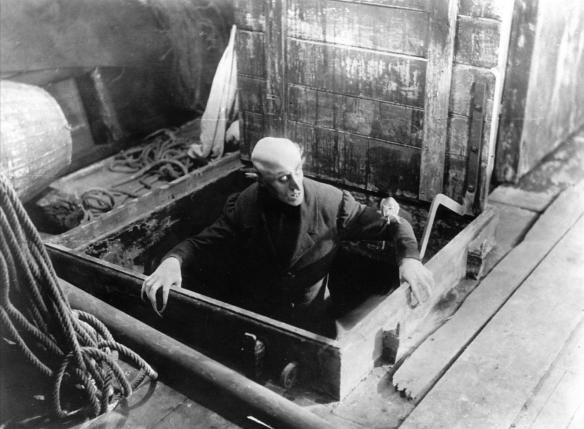 Trier Orlok apparaissant sur le pont.png