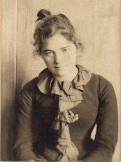 emily-carr-a-san-francisco-a-lage-de-21-ou-23-ans-vers-1893