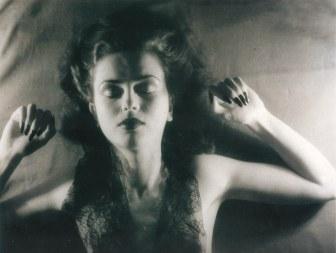 jacques-henri-lartigue-florette-paris-1944-scan-de-lartigue-l_album-d_une-vie-c2aecentre-pompidou-editions-du-seuil-2003