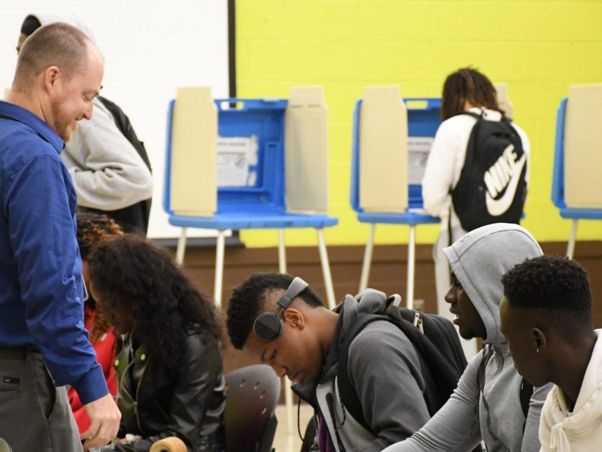jóvenes en Carolina del Norte votan