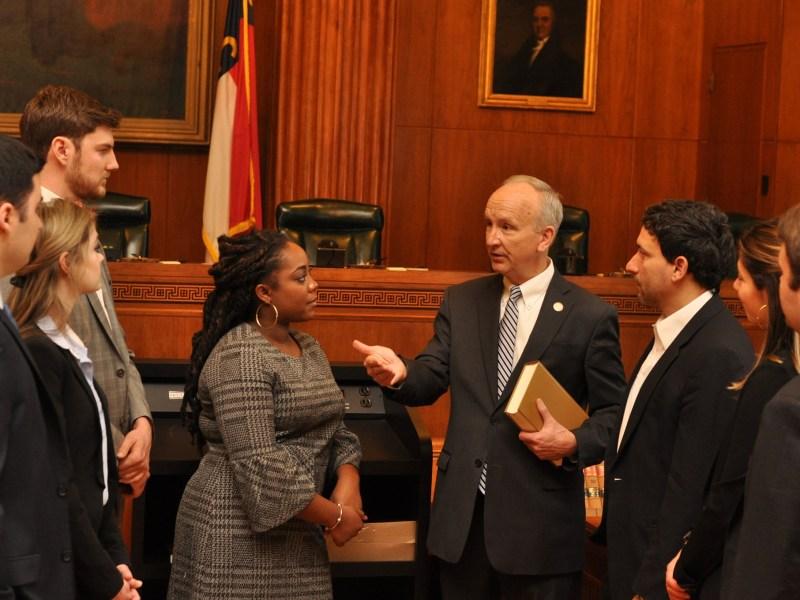 Paul Newby es el Nuevo presidente de la Corte suprema de Justicia de Carolina del Norte