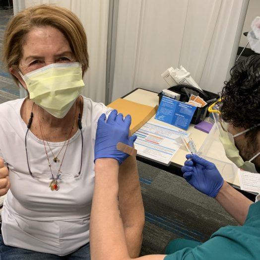 vacunas para latinos condado de Pitt