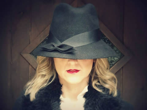 Sombrero negro.