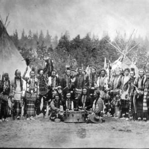 salish-men-tipis-1903
