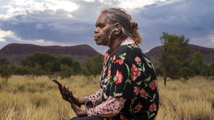 Aboriginal women create mindfulness app in language, bringing outback meditation to the world