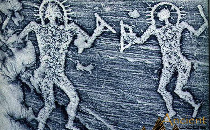 "5 Ancient Petroglyphs & Cave Paintings that depict ""Ancient Aliens"""