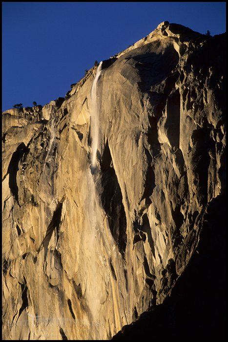 http://enlightphoto.com/photo-info/yes20005-horsetail-fall-waterfall-photo.html