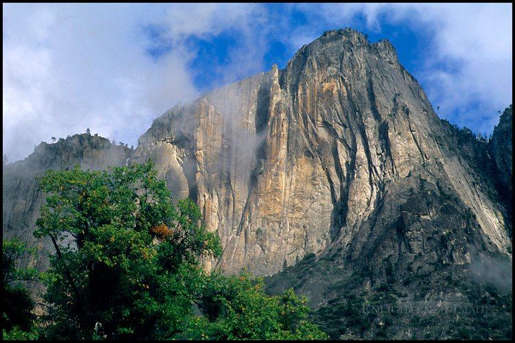 http://enlightphoto.com/photo-info/vly3-1095-lost-arrow-spire-yosemite-valley-photo.html