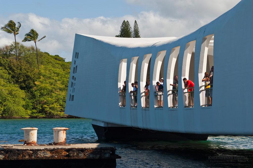 Photo: Tourists at the USS Arizona Memorial, Pearl Harbor, Oahu, Hawaii