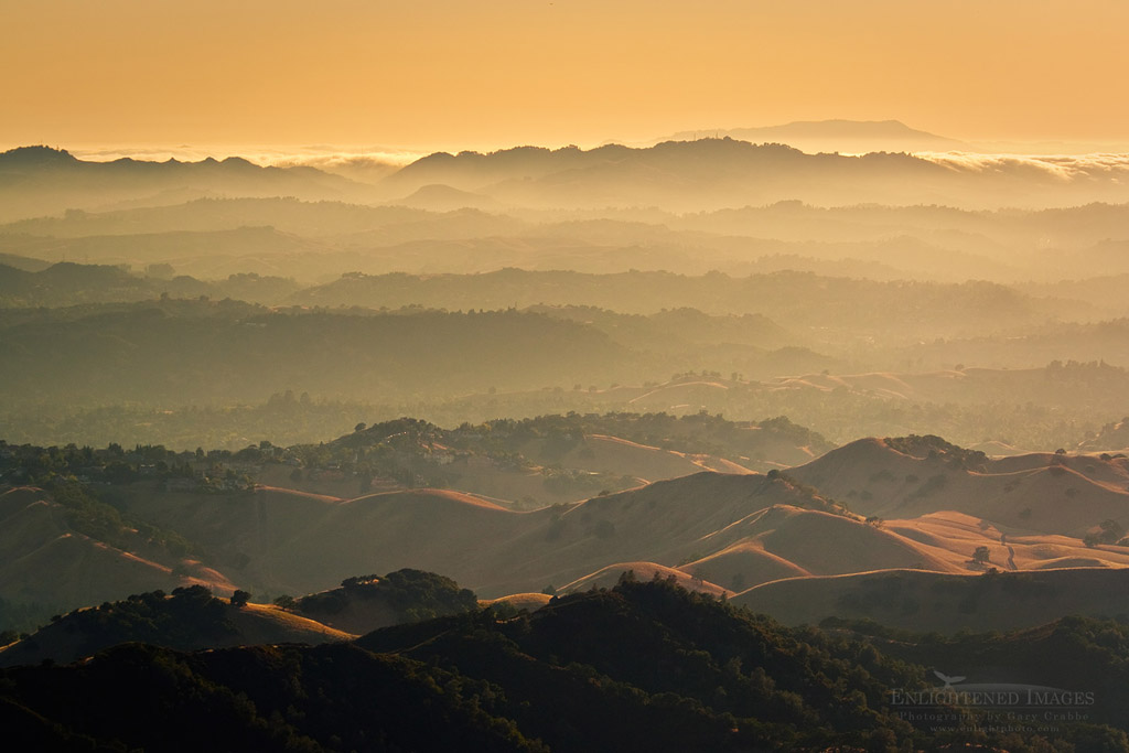 Photo: Sunset over the rolling hills of the east bay, looking toward Mount Tamalpais, from Mount Diablo State Park, California
